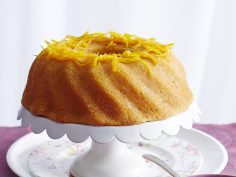 کیک پرتقالی با سس پرتقال